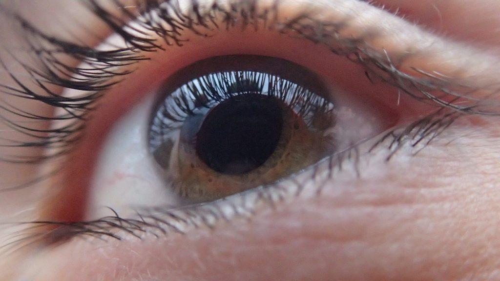 Augentropfen: Trockene Augen befeuchten